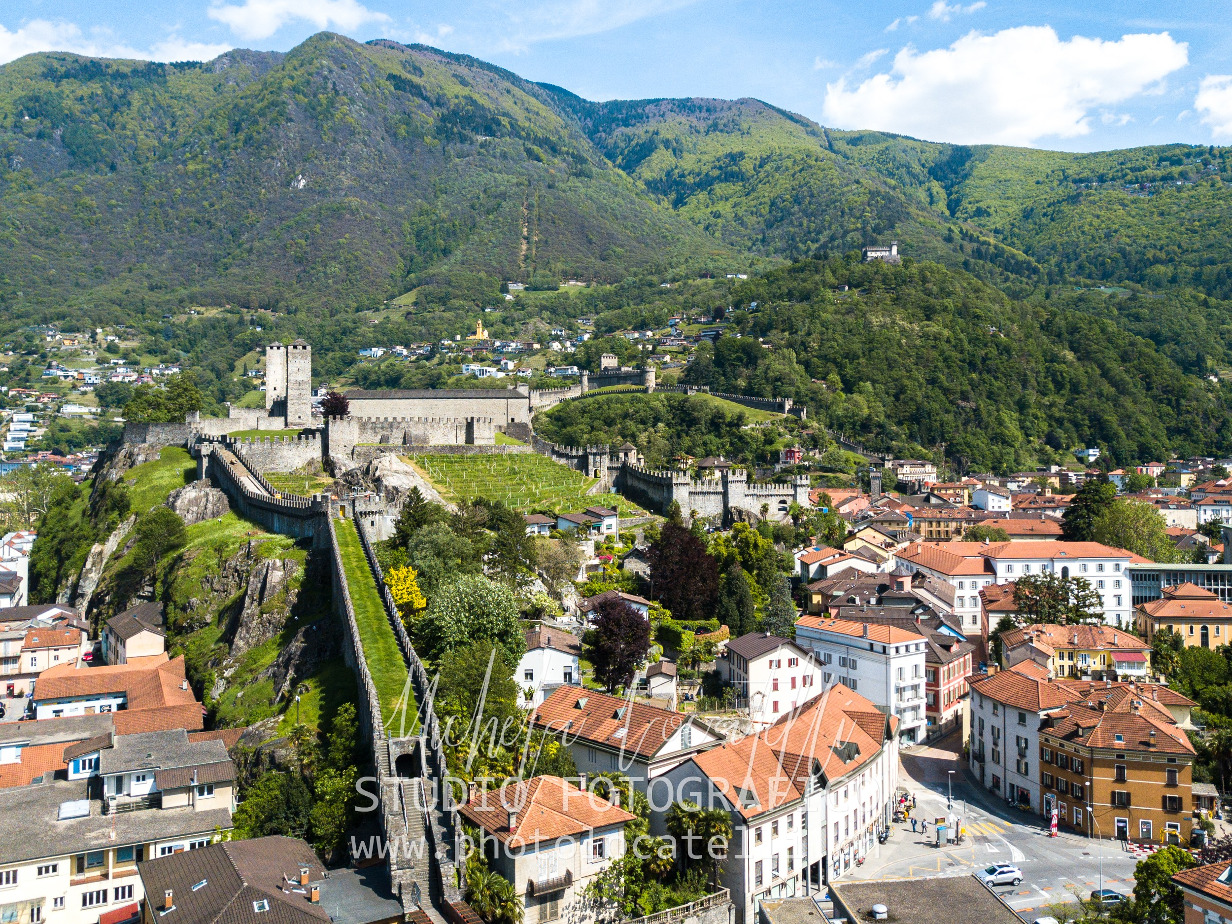 Bellinzona 2019,Bellinzona,Bellinzonese,Landscape,Places,Schweiz,Switzerland,città,city,drone,michela@photolocatelli.ch,paesaggio,palazzo civico,photolocatelli.ch,svizzera,swiss,ticino,ticino turismo,